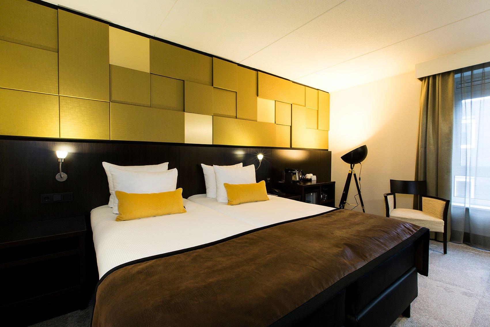 Tweepersoonsbed Lits Jumeaux.Verblijf In Een Standaard Kamer Oranje Hotel Leeuwarden