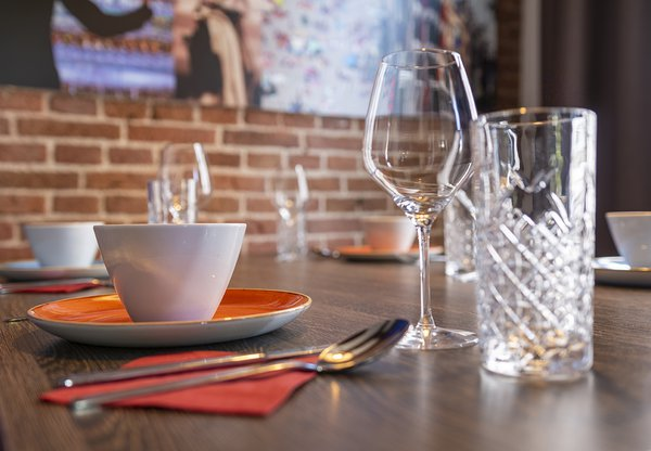 EH_EDEN HOTEL AMSTERDAM_APPARTMENT_DINING_02_WEB.jpg