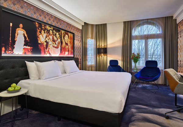 HARD-ROCK-HOTEL-AMSTERDAM_JUNIOR-SUITE_001.jpg